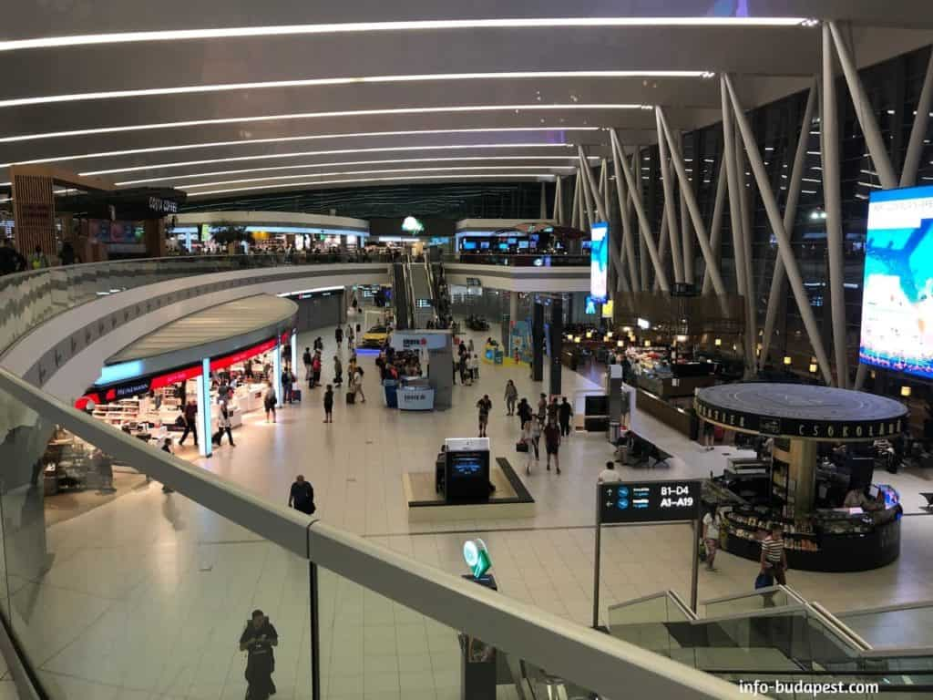 SkyCourt at night-Liszt Ferenc International Airport