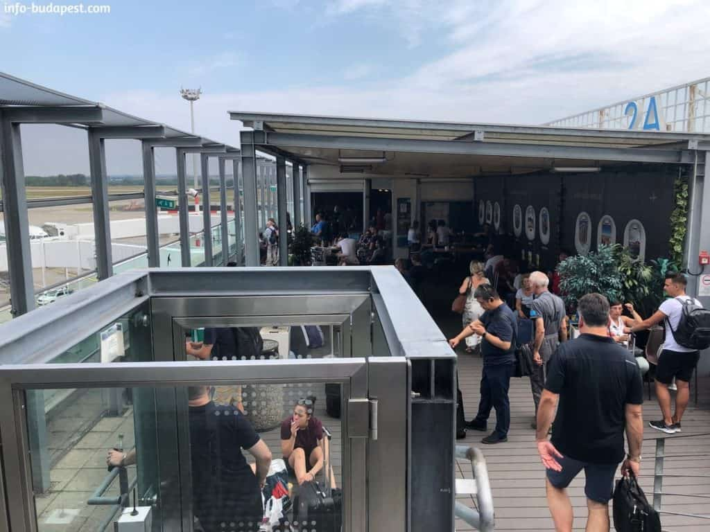 Smoking area, skycourt terrace
