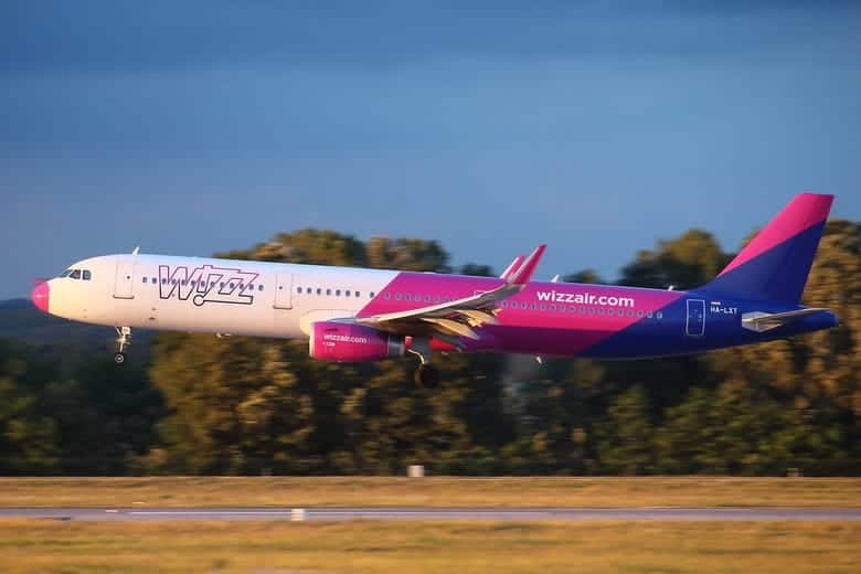 Wizzair landing at Liszt Ferenc Airport
