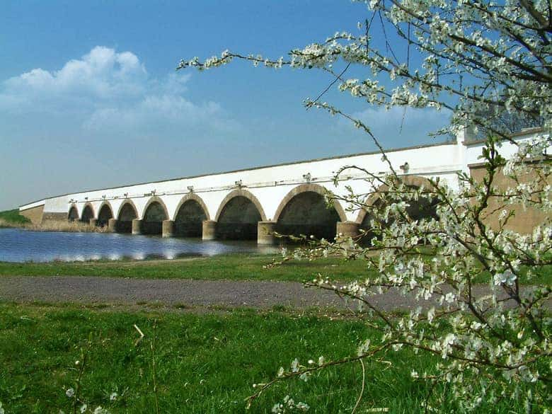 Nine-arched bridge