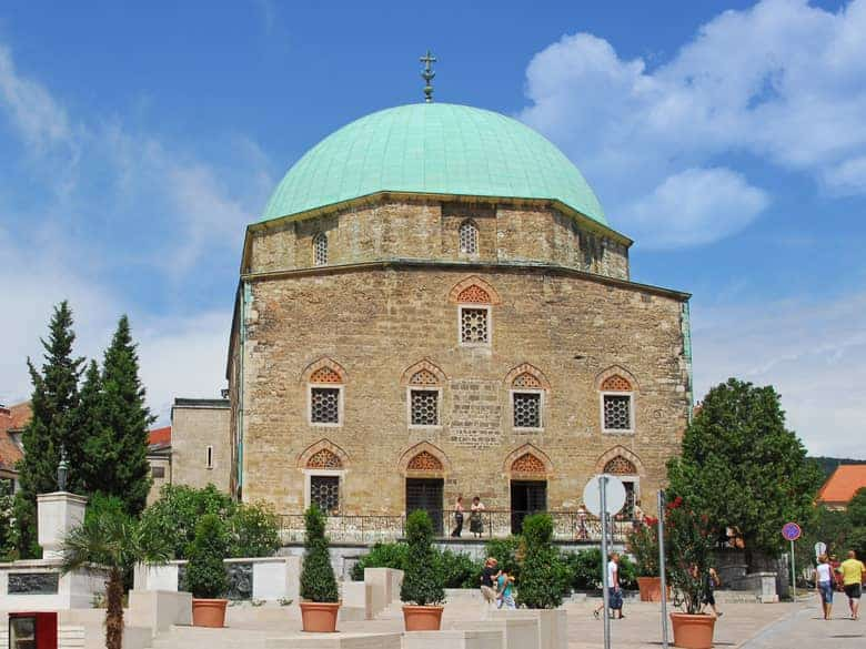 Pécs Mosque , Hungarian islam architecture