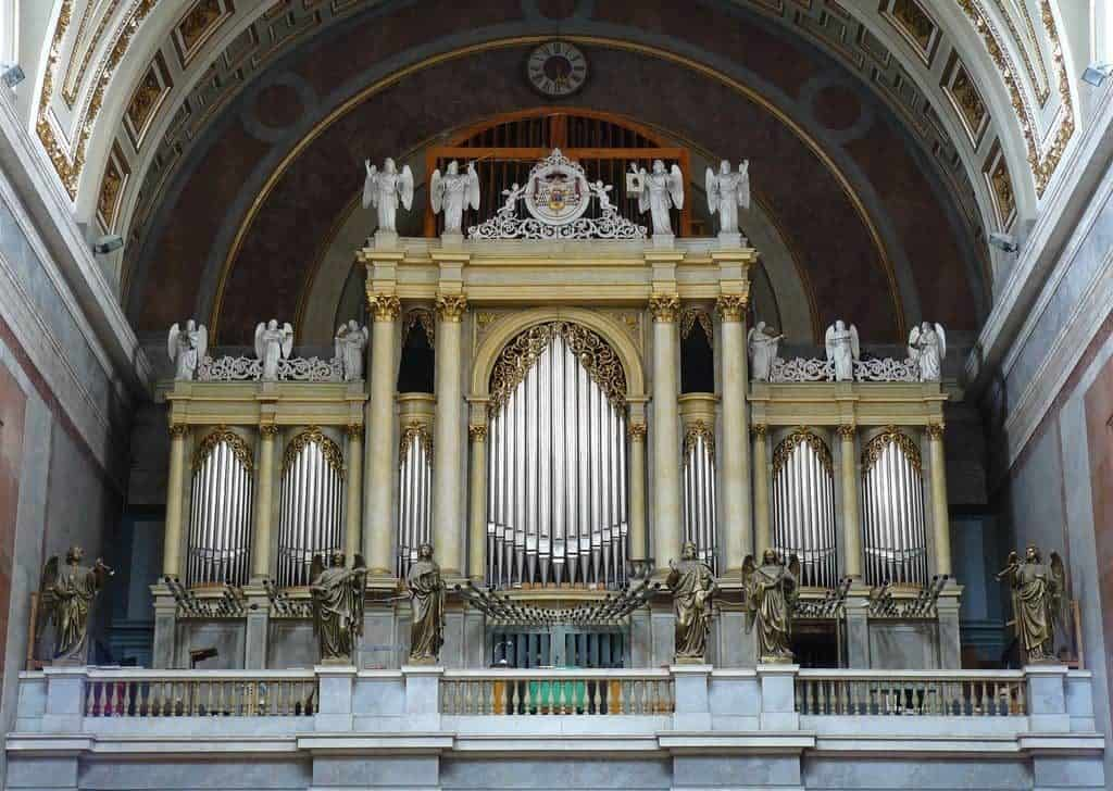 organ in the basilica