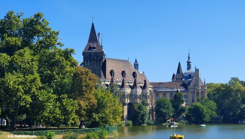 City Park- Vajdahunyad Castle