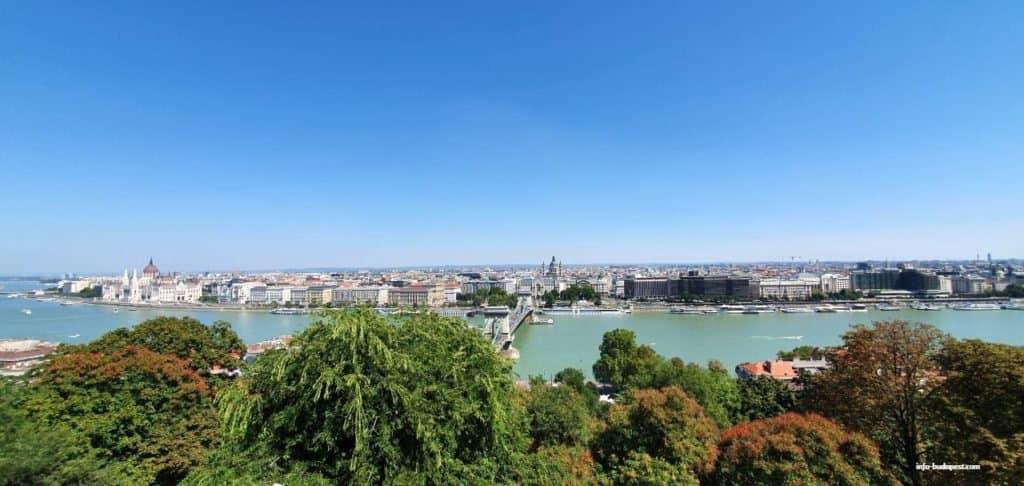 Chain bridge, Budapest, Danube River