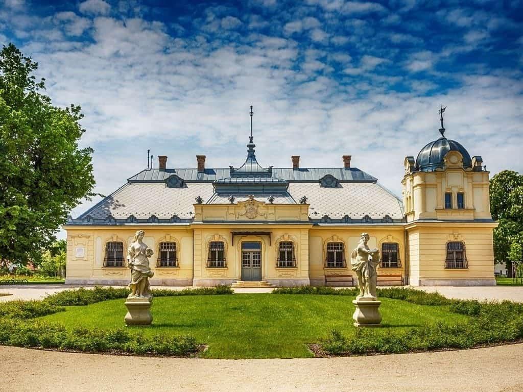 Cziráky castle
