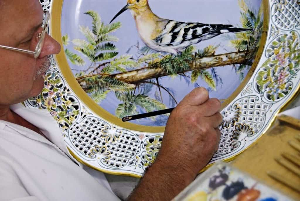 craftsmen- Herend porcelain