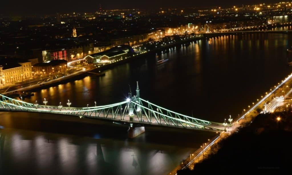 Liberty Bridge at night. Photo: info-budapest.com