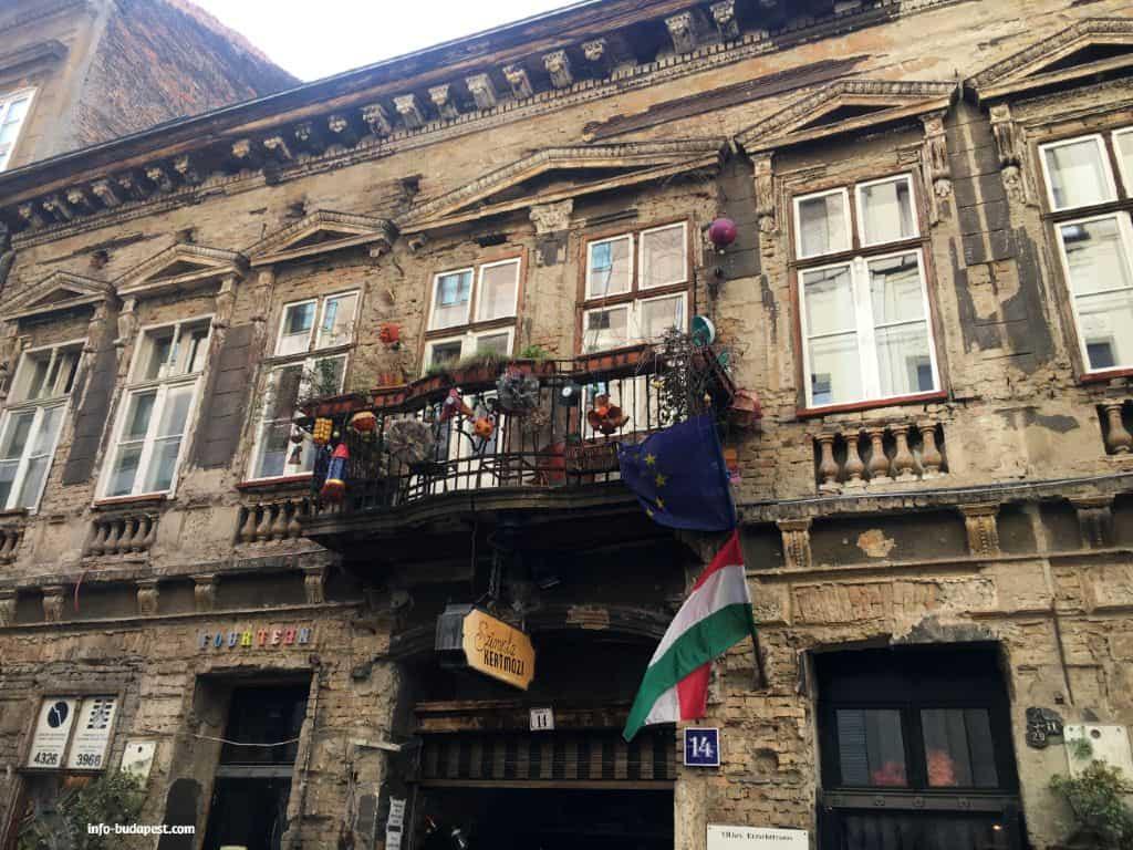 Szimpla Ruin Bar in Budapest
