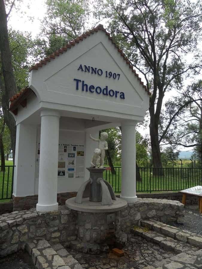 Theodora spring-Kékkút