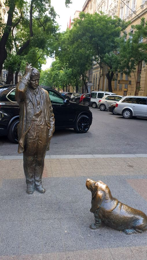 Hinge sculptures everywhere - the statue of Colombo and his dog in Budapest