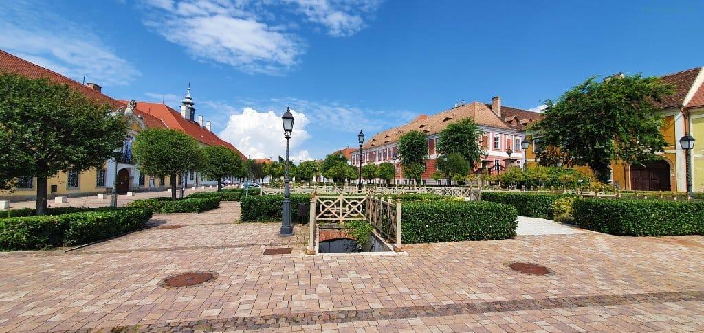 Vác main Square