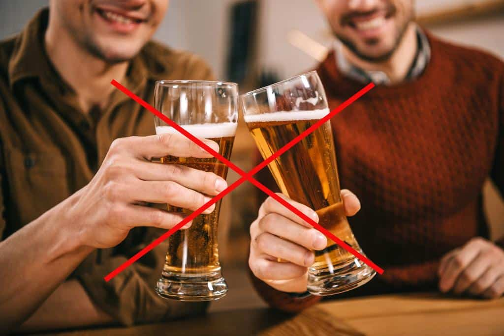 Is It Rude to Toast With Beer in Hungary? – Risky or Not?