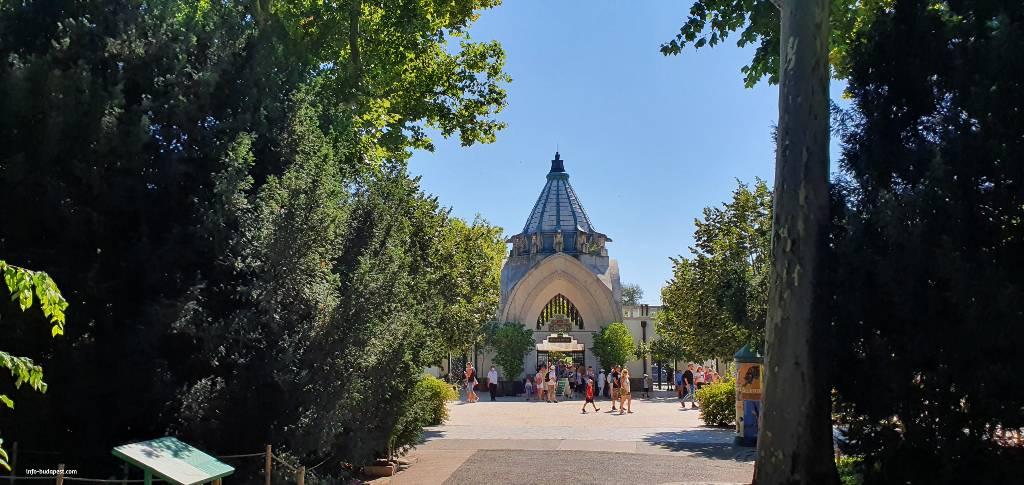Budapest Zoo-Entrance